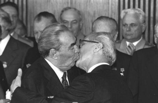breznjev-honecker-1979